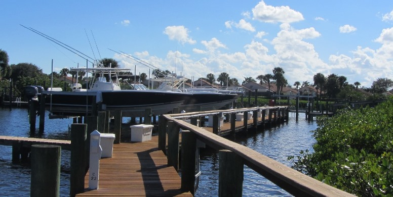 Bay Head is a real estate community within Jonathan's Landing offering stunning waterfront single family homes.