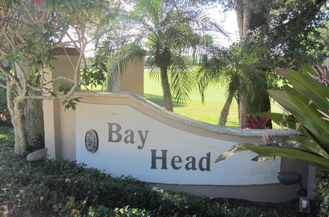 Bay Head is a real estate community within Jonathan's Landing in Jupiter, Florida offering stunning waterfront single family homes.