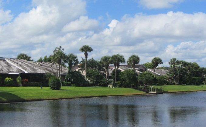Cape Point is a real estate community within Jonathan's Landing offering lake front town homes for sale.