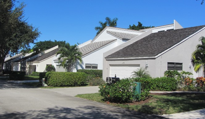 Green's Cay is a real estate community within Jonathan's Landing in Jupiter, Florida offering beautiful single family homes in a country club setting.