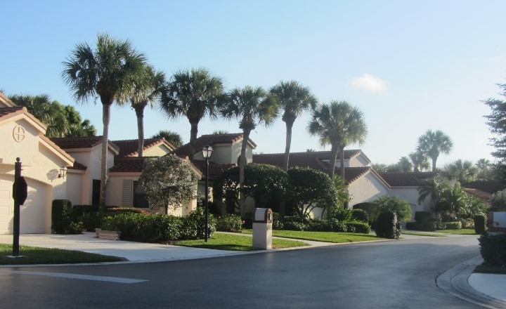 Hidden Cove is a beautiful real estate community within Jonathan's Landing offering homes for sale and seasonal rentals.