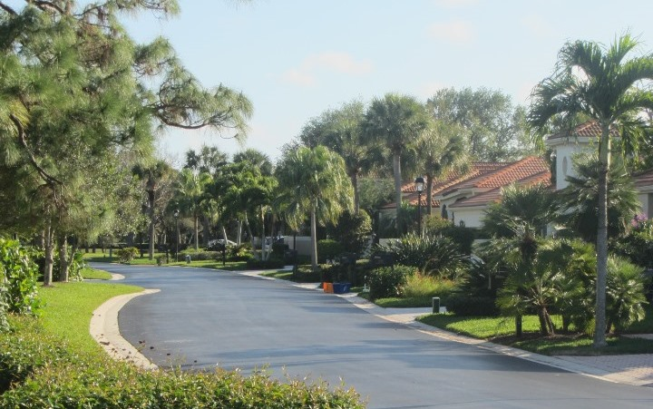 Lantern Bay is a beautiful real estate community within Jonathan's Landing offering homes for sale and seasonal rentals.