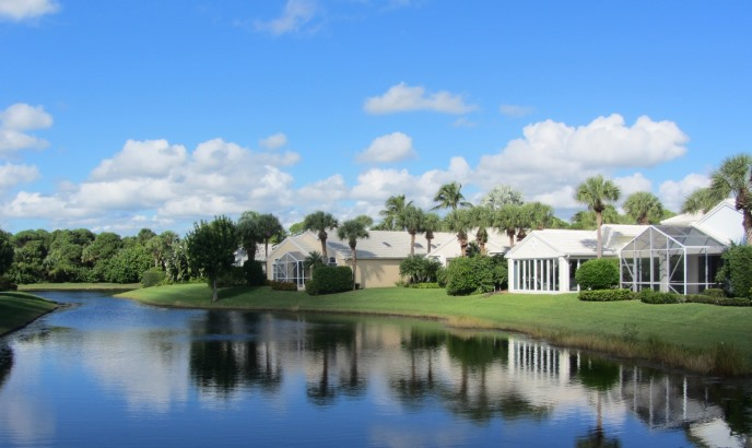 Longshore is a real estate community within Jonathan's Landing in Jupiter, Florida offering beautiful, lake front single family homes in a country club setting.
