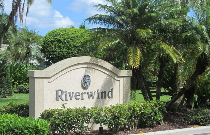 Riverwind is a luxury real estate community within Jonathan's Landing in Jupiter Florida offering lake front homes for sale and seasonal rentals.