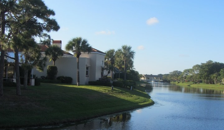 The Narrows is a beautiful real estate community within Jonathan's Landing offering homes for sale and seasonal rentals.