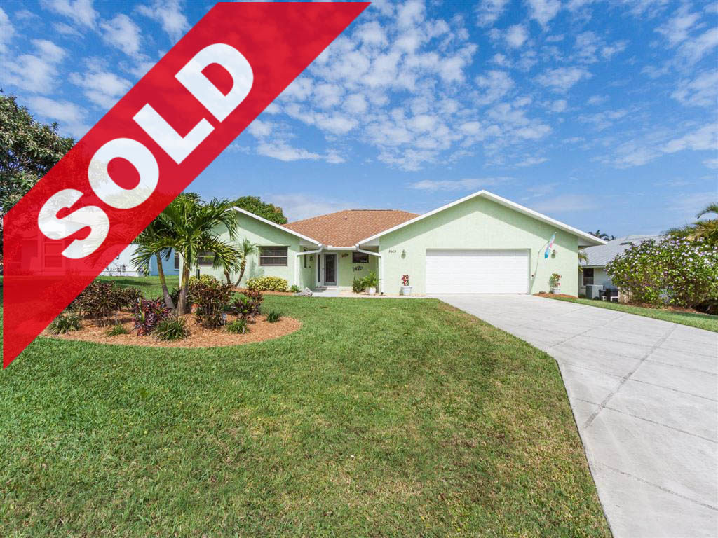 SOLD! 4 BR Hobe Sound Home For Sale - 8608 SE Woodwind Street, Hobe Sound, FL 33455