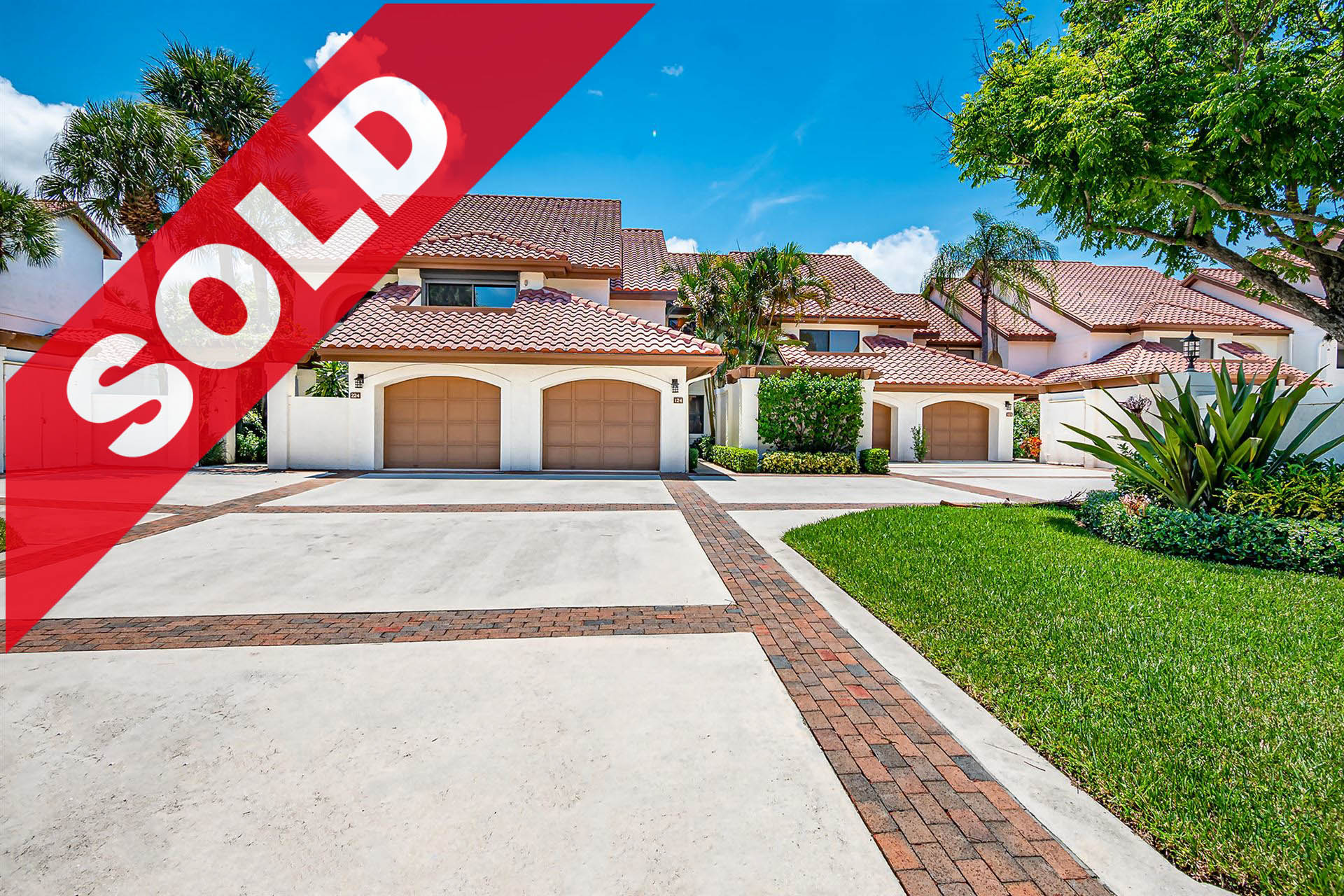 SOLD! Jonathan's Landing Traders Crossing Condo For Sale - 16671 Traders Crossing N #124, Jupiter, FL 33477